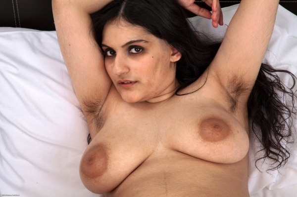 desi big natural tits gallery - 28