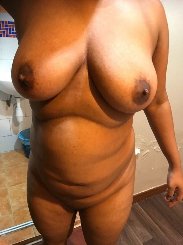 desi big natural tits gallery - 4