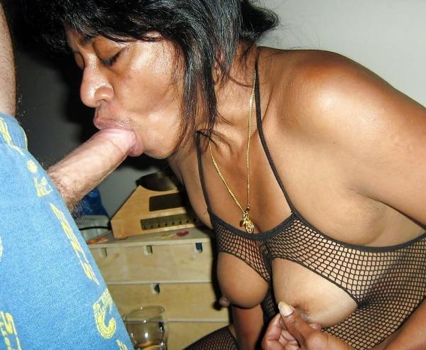 desi ladies sucking cock pics - 3