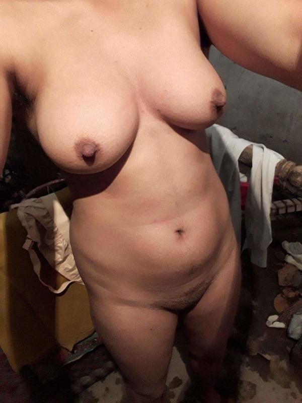 desi mallu sexy women pics - 7