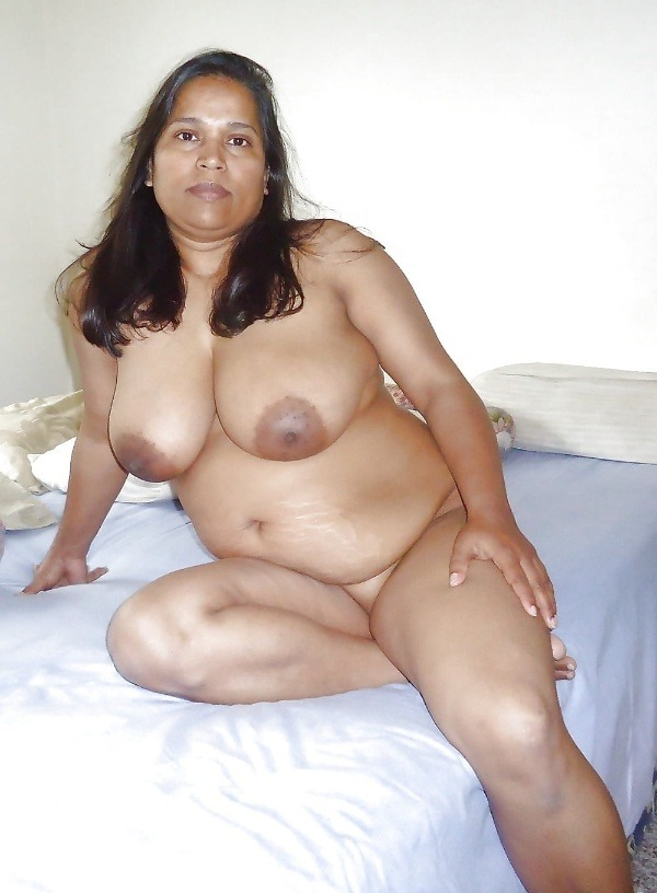 desi women big boobs pics - 4