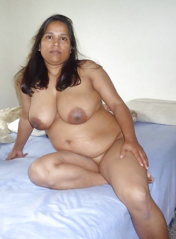 hot desi mature aunty gallery - 15