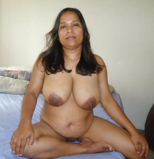 hot desi mature aunty gallery - 16