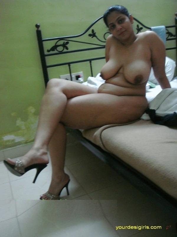 hot desi mature aunty gallery - 18
