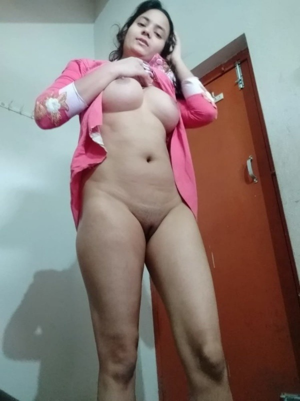 hot nude indian babes gallery - 15