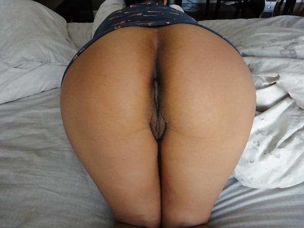 hypnotic desi moist pussy pics - 4
