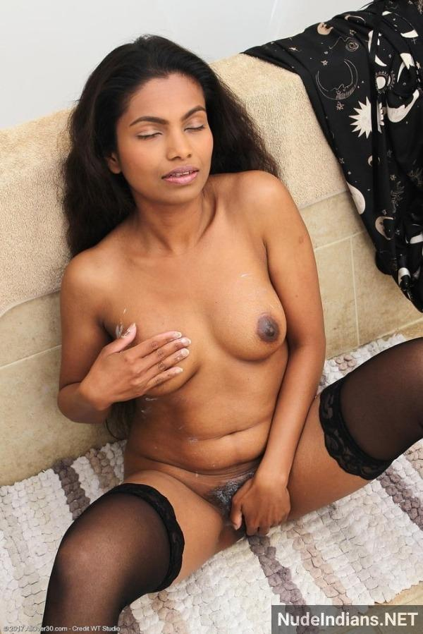 lovely desi nude chicks gallery - 44