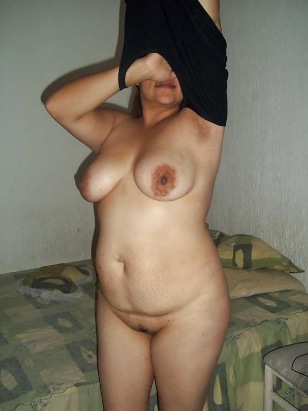 lovely desi sexy aunties pics - 11