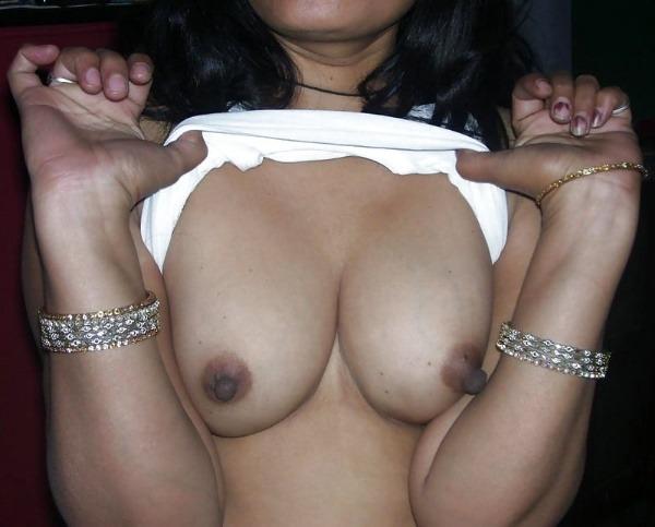 lovely desi sexy aunties pics - 33