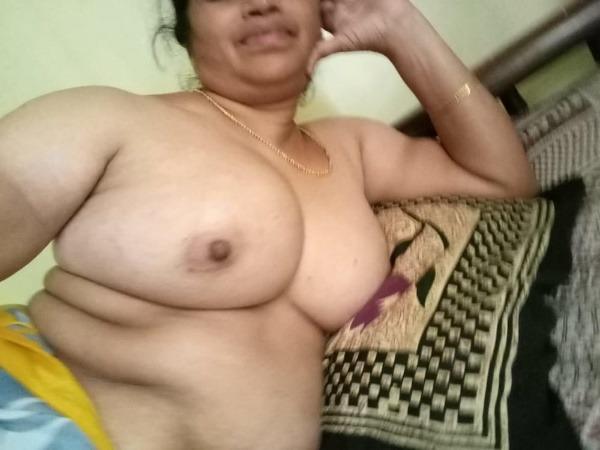 lovely hot mallu nude gallery - 24