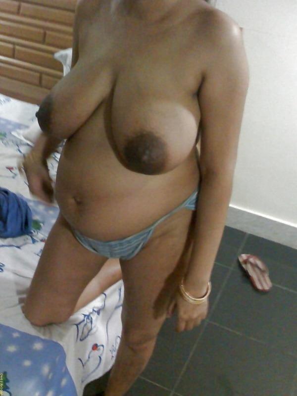 provocative naked aunty pics - 19
