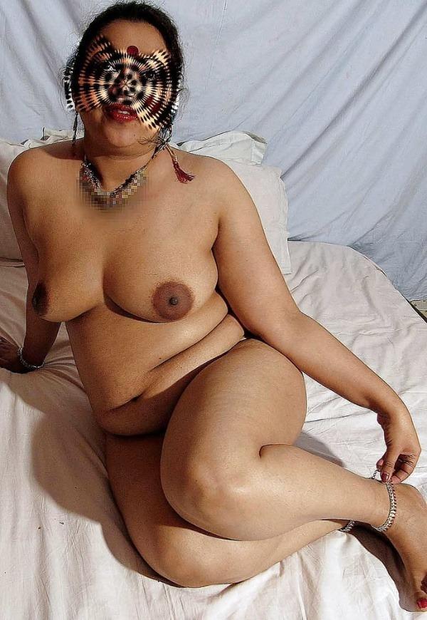 provocative naked aunty pics - 32