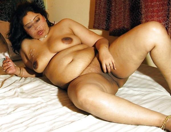 provocative naked aunty pics - 45