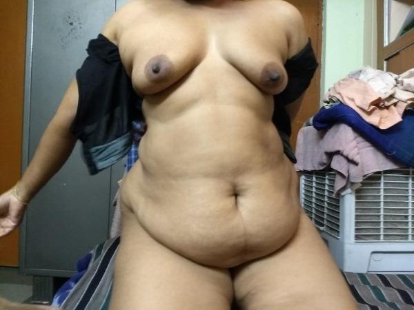 provocative naked aunty pics - 50