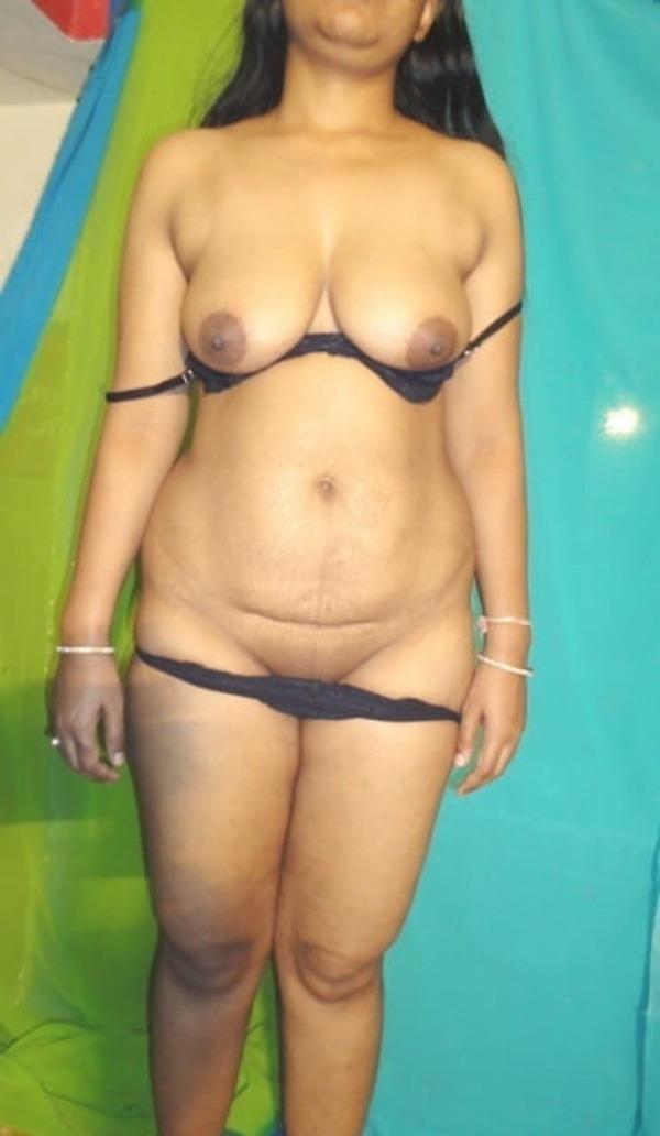 provocative naked aunty pics - 51