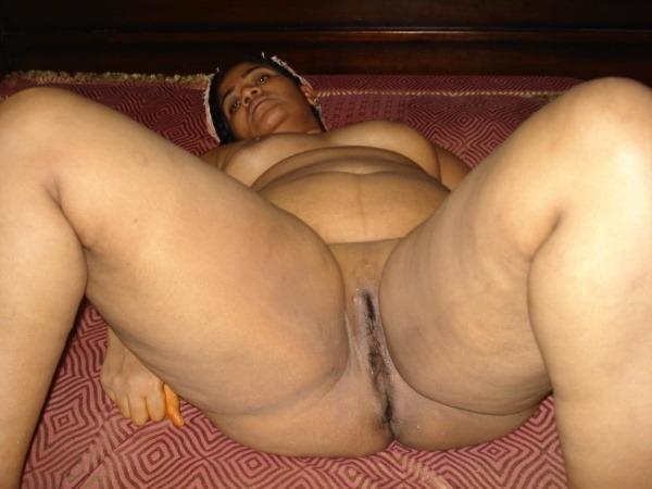 provocative naked aunty pics - 9