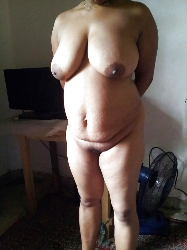 randi indian mature aunty pics - 1