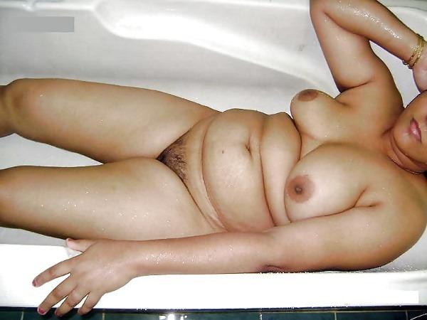 randi indian mature aunty pics - 14