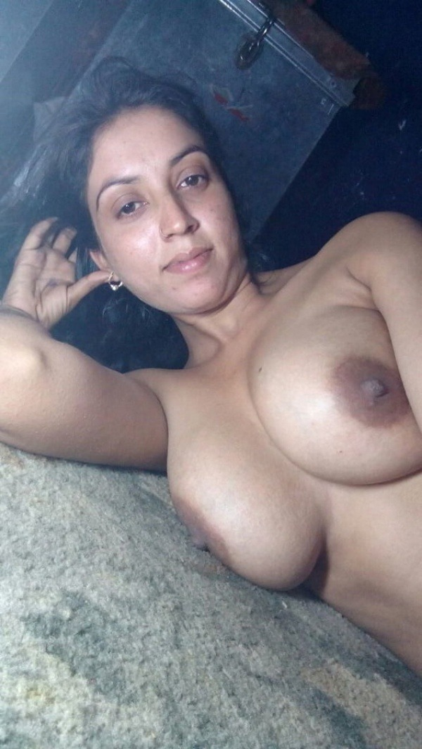 sensual desi big boobs pics - 9