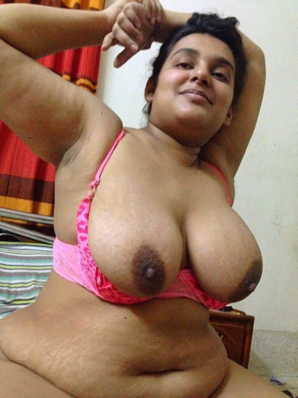 sensual hot mallu nude pics - 17