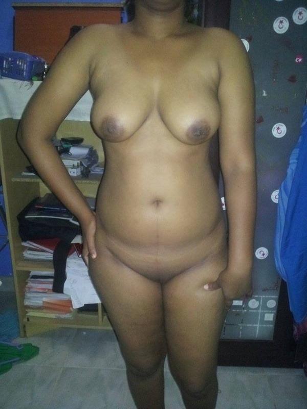 sexy big indian boobs pics - 15