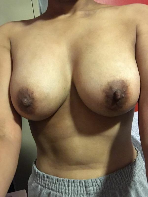 sexy big indian boobs pics - 20
