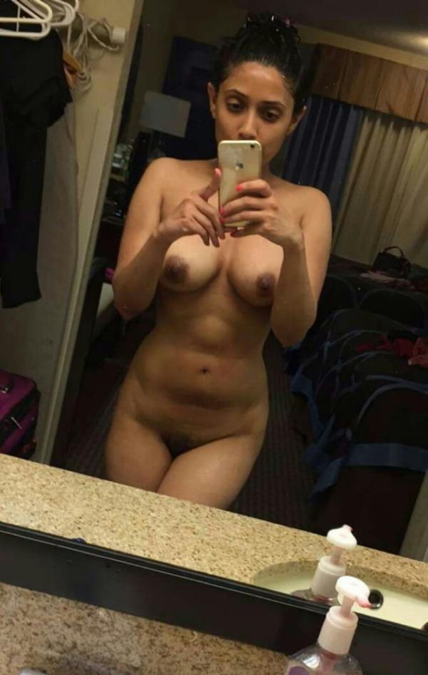 sexy big indian boobs pics - 22