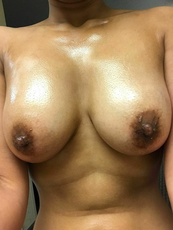 sexy big indian boobs pics - 26