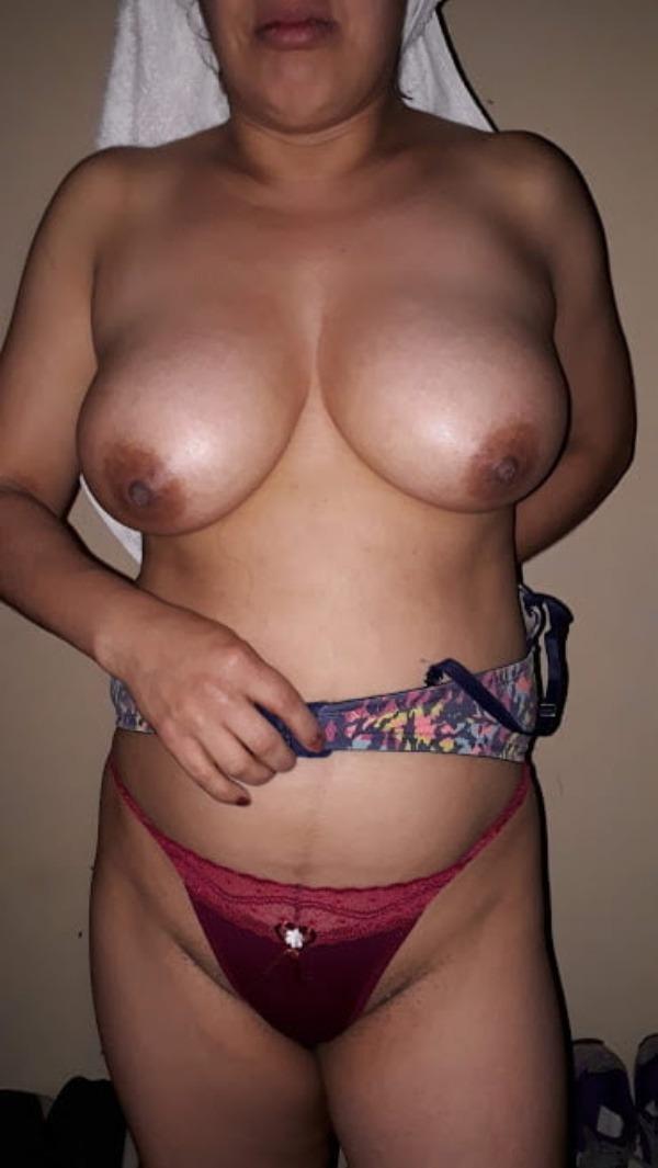 sexy big indian boobs pics - 39