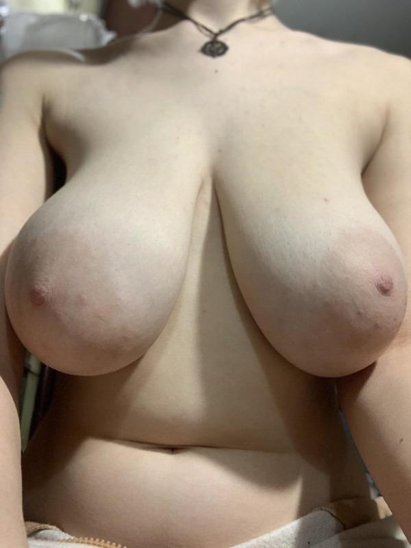 sexy big indian boobs pics - 47