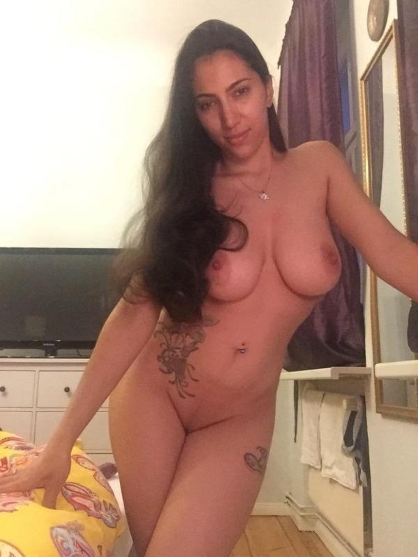 sexy big indian boobs pics - 49