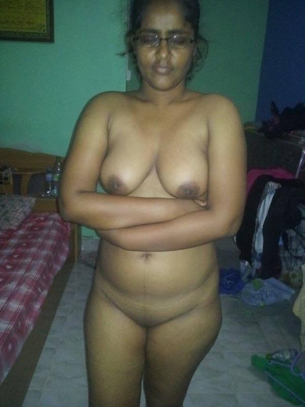 sexy big indian boobs pics - 7