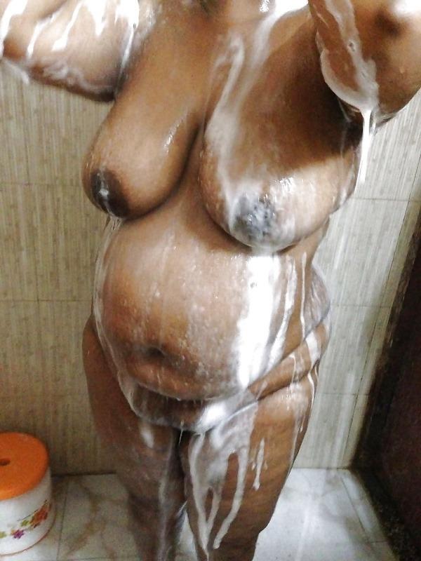 sexy desi mature aunties pics - 3