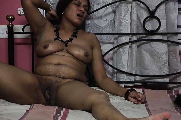 sexy desi mature aunties pics - 38