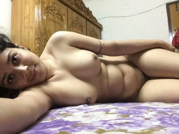 sexy indian nude babes pics - 14