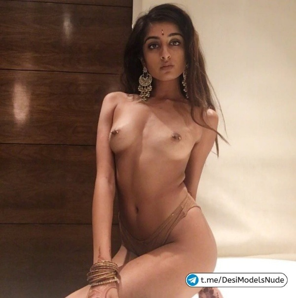 sexy indian nude babes pics - 18