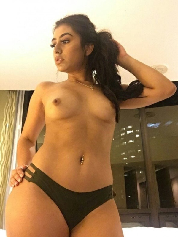 sexy indian nude babes pics - 27