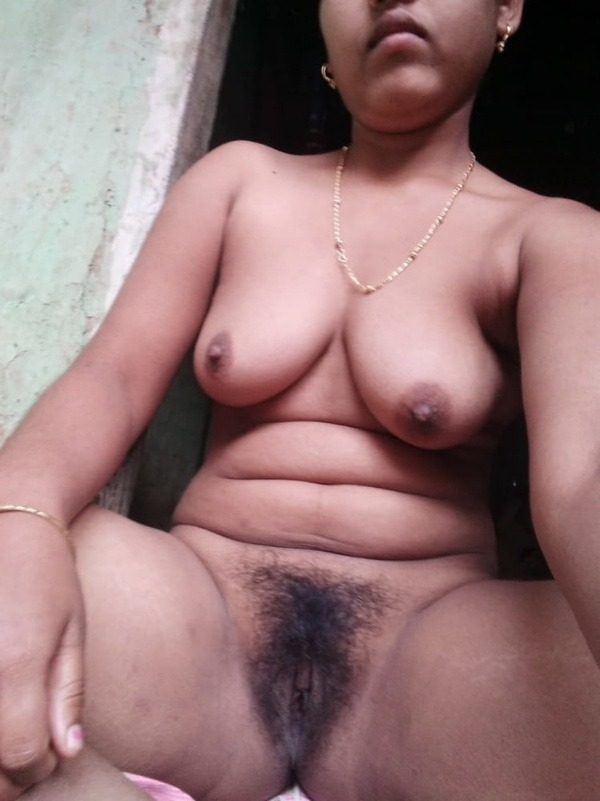 sexy indian nude babes pics - 44