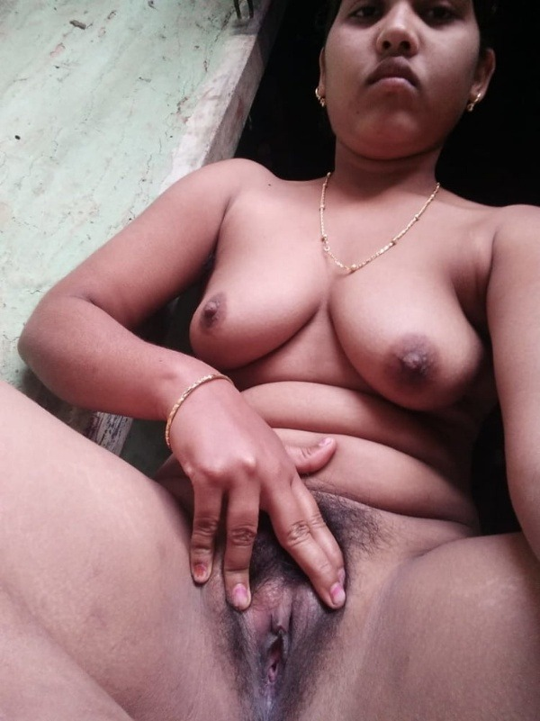 sexy indian nude babes pics - 47