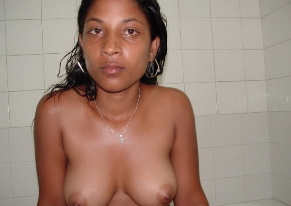 sexy indian nude chicks pics - 34