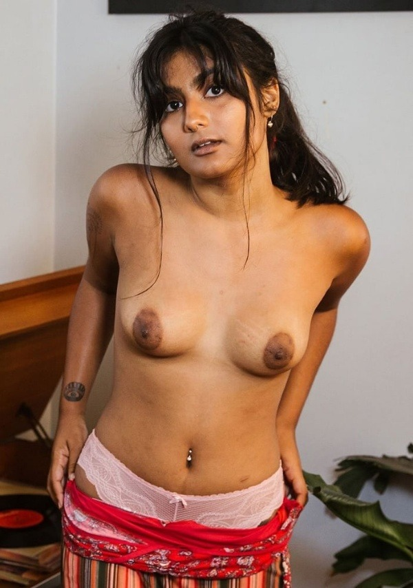 sexy indian nude chicks pics - 48