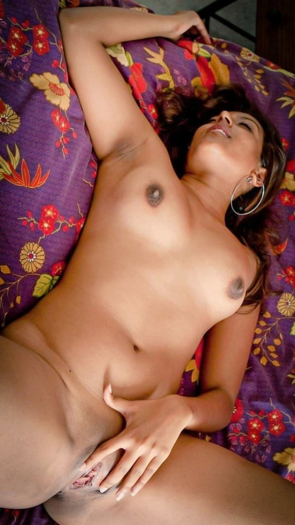sexy nude indian babes pics - 23