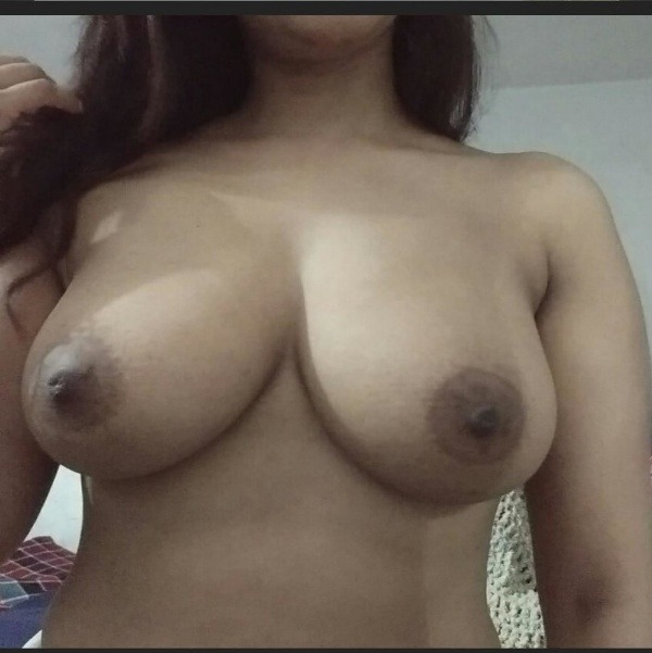 sexy nude indian babes pics - 38