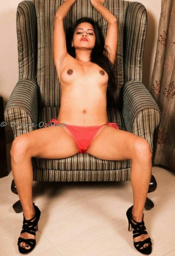 sexy nude indian babes pics - 7