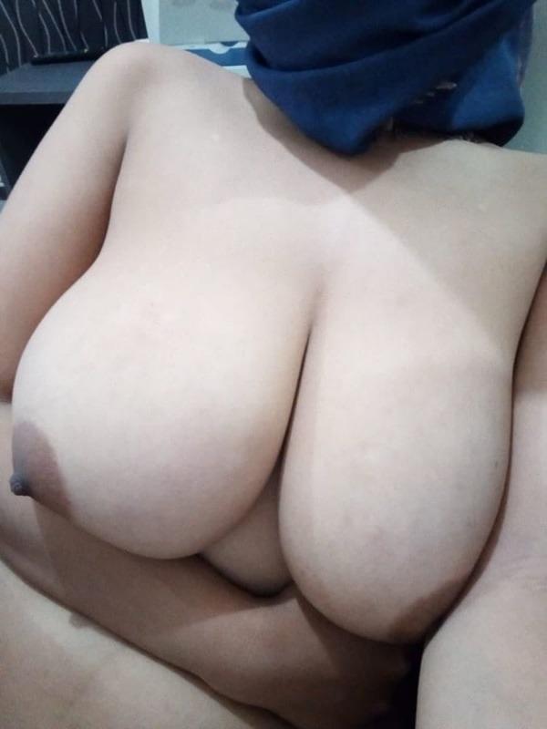 tantalising big Indian boobs pics - 38