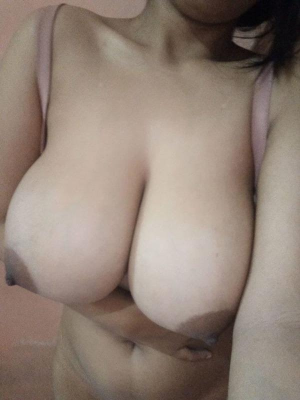 tantalising big Indian boobs pics - 40