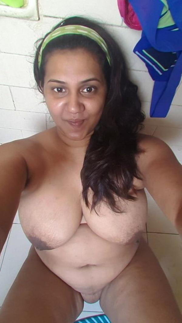 tantalising big Indian boobs pics - 5