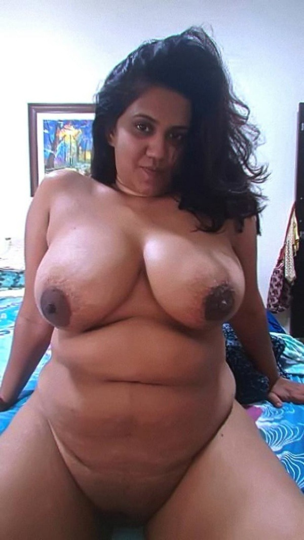 tantalising big Indian boobs pics - 6