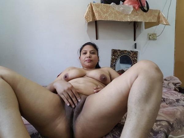 tantalizing bhabhi nude pics - 20