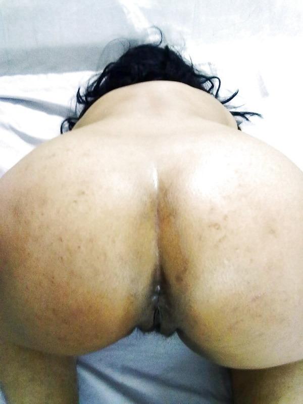 tantalizing bhabhi nude pics - 3